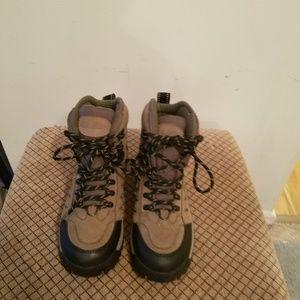 Cabelas rain/snow boots